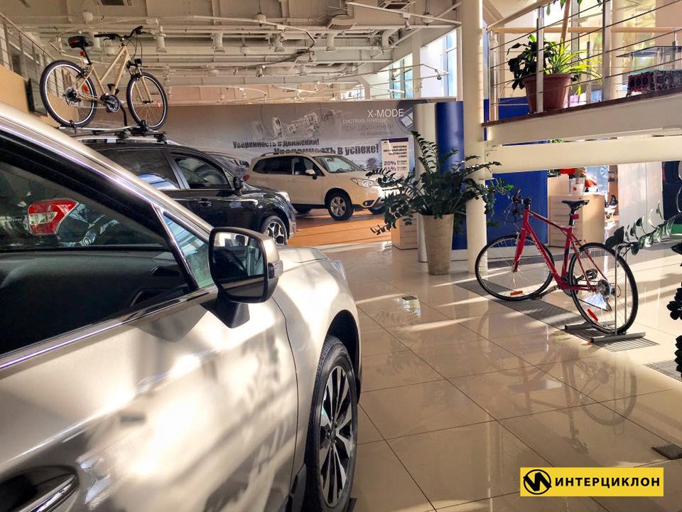 Дизайн интерьера автосалона станции техобслуживания Subaru