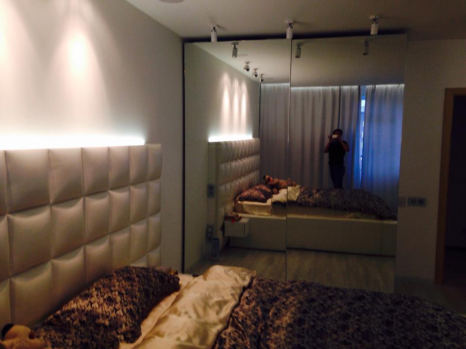 Кровать с мягким изголовьем и подсветкой